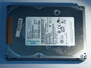 IBM-HUS153030VLS300-0B22156-SAS225-Front